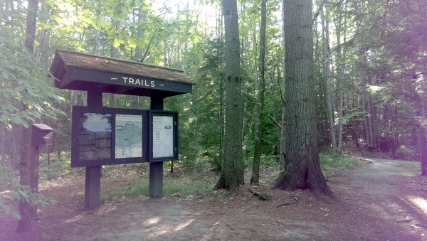 wolfes neck state park trail sign
